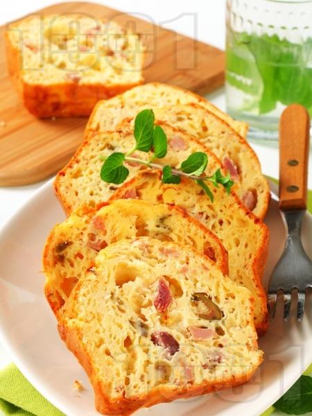 Лесен солен кекс с маслини и шунка - снимка на рецептата